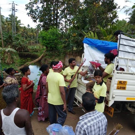 Kochi_Flood_Relief_4